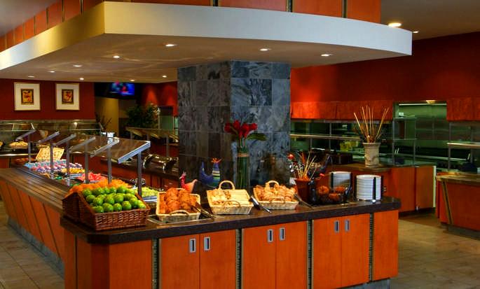 Hôtel Embassy Suites Niagara Falls - Fallsview, ON, Canada - Petit déjeuner