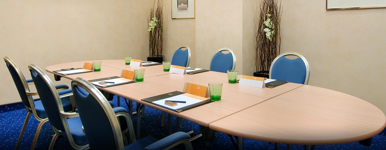 Abhängig von Ihren Anforderungen finden wir einen passenden Meetingraum für Sie