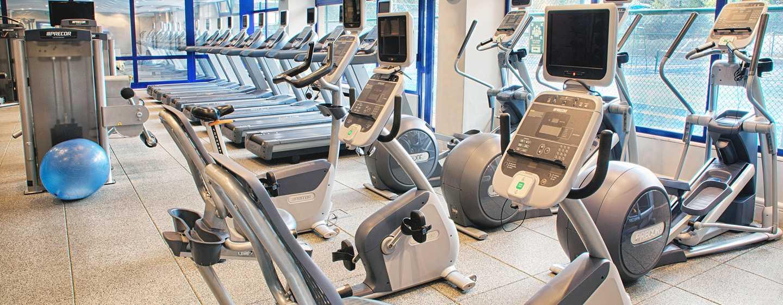 Halten Sie sich auf Ihrer Reise fit. Unser kostenfreies Fitness Center ist gut ausgestattet