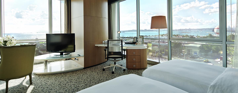 Doubletree by Hilton Istanbul – Moda – Junior Suite mit zwei Einzelbetten und Meerblick