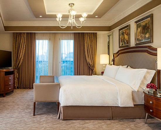 Hôtel Waldorf Astoria Jerusalem, Israël - Suite d'une chambre avec très grand lit
