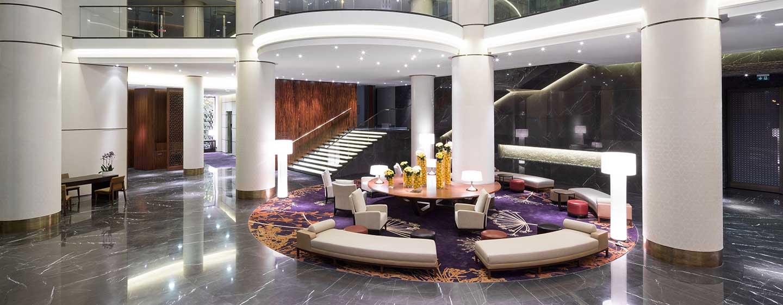 Hilton Kyiv, Ukraine – Hotel-Lobby