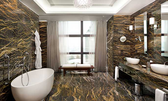 Hotel Hilton Kyiv, Ukraina – Łazienka w Apartamencie prezydenckim
