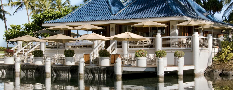 Das Grillrestaurant befindet sich direkt am Meer und bietet Ihnen leckere Gerichte an