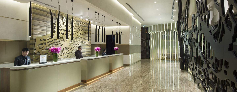 An der Hotelrezeption werden Sie von unseren qualifizierten Mitarbeitern herzlich begrüßt