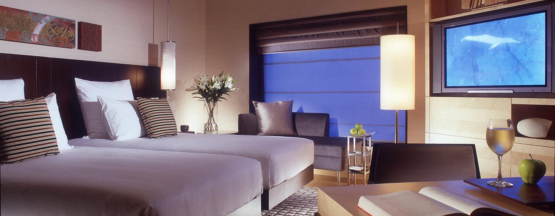 Die Zweibettzimmer bieten Reisenden viel Platz und Schlafkomfort