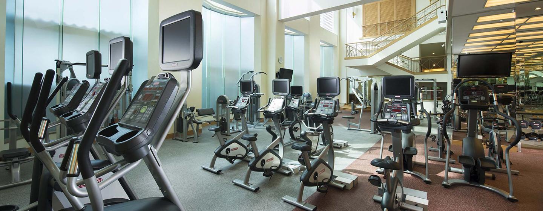 Im großen Fitness Center können Sie Ihrem Cardio- und Krafttraining nachgehen