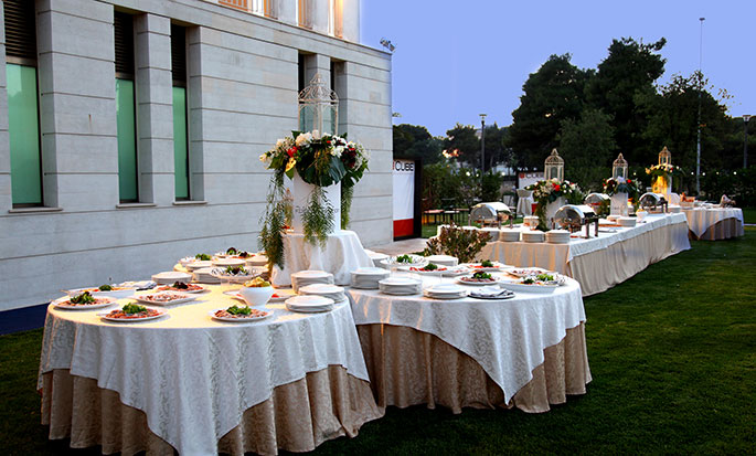 Hotel Hilton Garden Inn Lecce, Italia - Buffet in the Garden