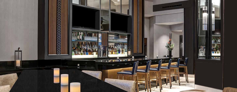 hoteles en times square doubletree suites by hilton new. Black Bedroom Furniture Sets. Home Design Ideas