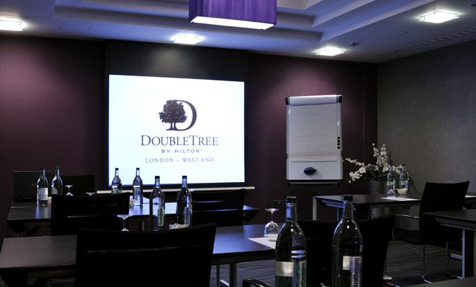 Hôtel DoubleTree by Hilton London-West End - Salle de réunion