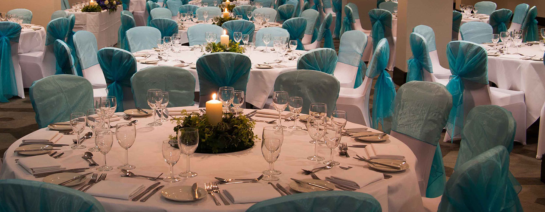 Für private und geschäftliche Feiern dekorieren wir gern die Räumlichkeiten Ihren Wünschen entsprechend
