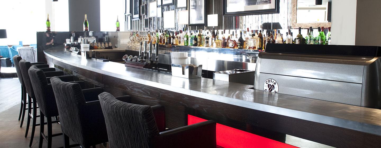 """Genießen Sie Atmosphäre in der gemütlichen """"Olympia"""" Bar"""