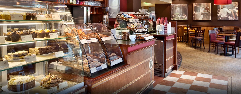 Lassen Sie sich leckeres Gebäck und Kaffee im Coffee Shop des Hotels schmecken