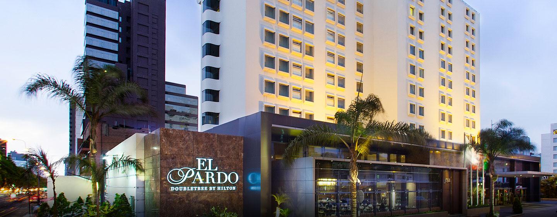 Hoteles en lima per el pardo doubletree by hilton for Arquitectura ergonomica