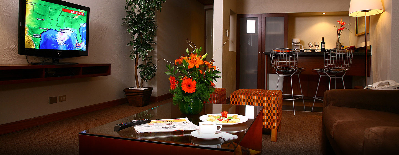 Hotel El Pardo DoubleTree by Hilton, Lima, Perú - Sala de estar