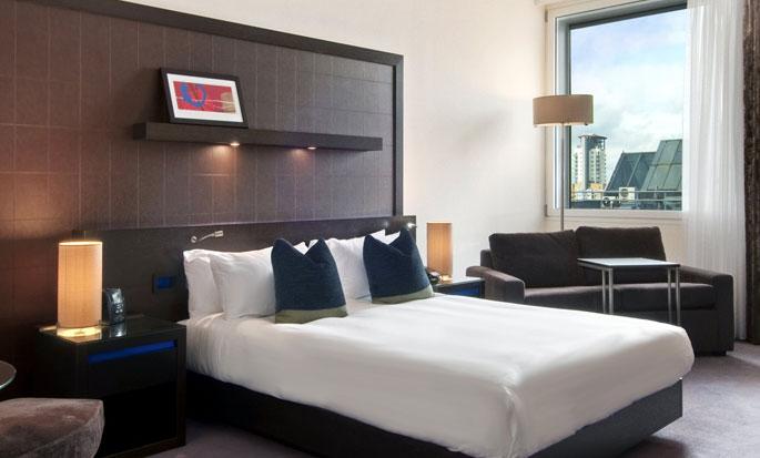Hôtel Hilton London Canary Wharf, Londres - Chambre Hilton de luxe avec grand lit