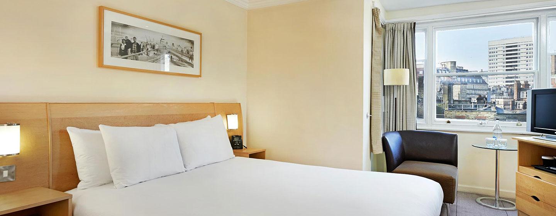Hotel Hilton London Green Park, Londra, Regno Unito - Camera Deluxe con letto matrimoniale