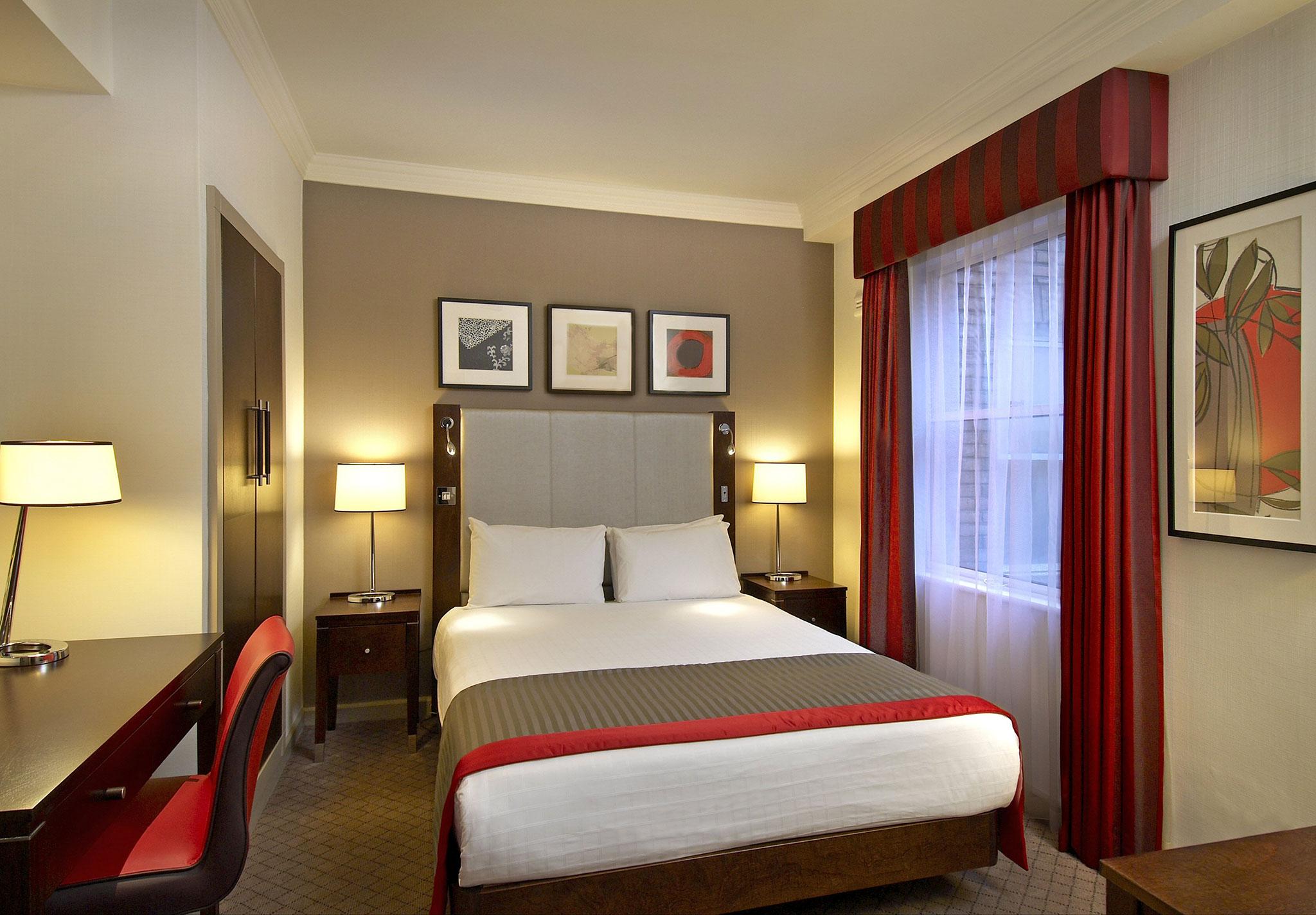 http://www.hiltonhotels.com/assets/img/hotels/LONGPTW_Hilton_London_Green_Park/IT/LONGPTW_rooms_full01_dbldlxplus04.jpg