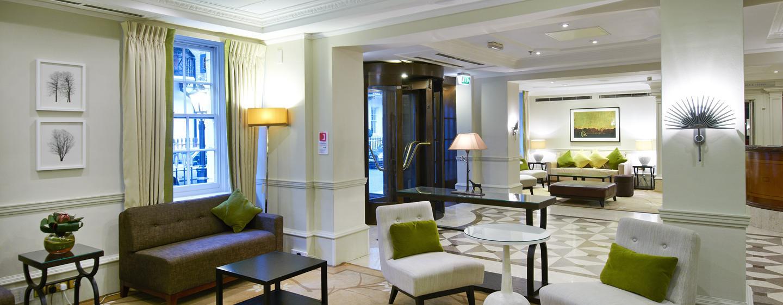 In der gemütlichen Hotel Lobby werden Sie von unseren Mitarbeitern begrüßt