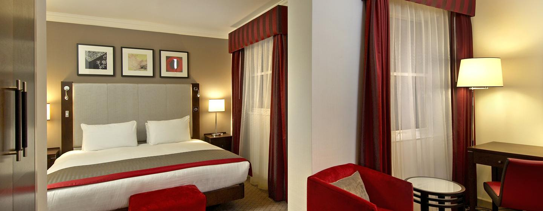 In den Deluxe Plus Zimmern des Hotels können Sie mehr Platz und luxeriöse Moblierung genießen