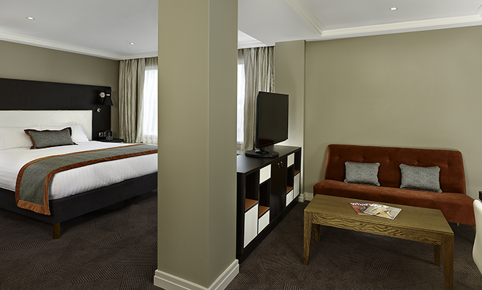 DoubleTree by Hilton Hyde Park hotel - King Junior Suite