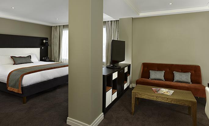 Hôtel DoubleTree by Hilton Hyde Park, Londres - Suite avec très grand lit