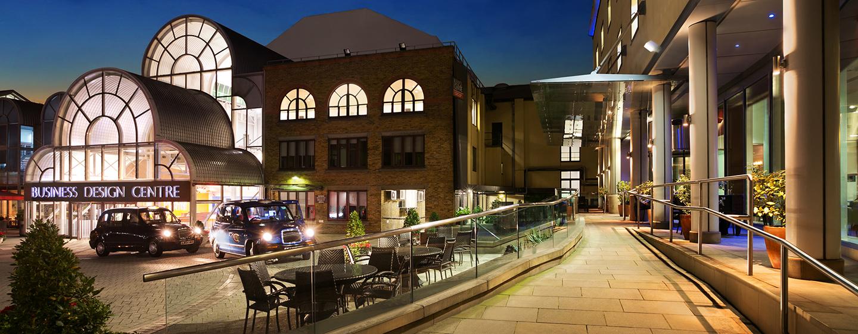 Hilton London Angel Islington Hotel, Großbritannien - Außenansicht am Abend