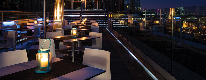 DoubleTree by Hilton Hotel London - Tower of London, Regno Unito - Vista notturna dal bar Sky Lounge