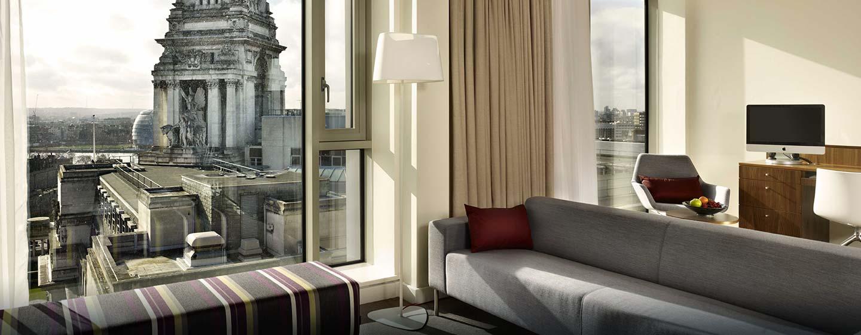 Hôtel DoubleTree by Hilton Tower of London, Londres - Suite spacieuse avec vue