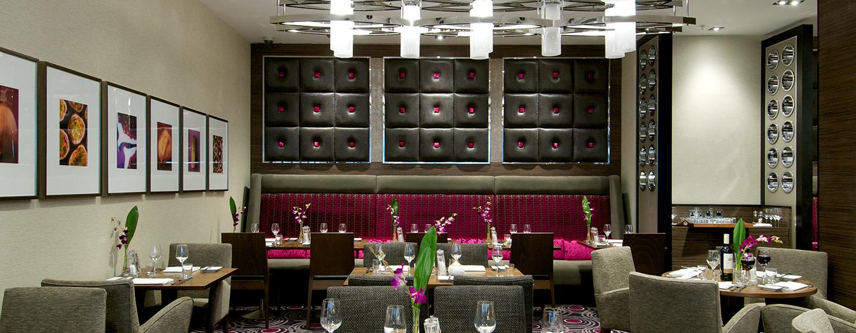 Im Restaurant 2 Bridge Place werden Ihnen leckere internationale Speisen serviert