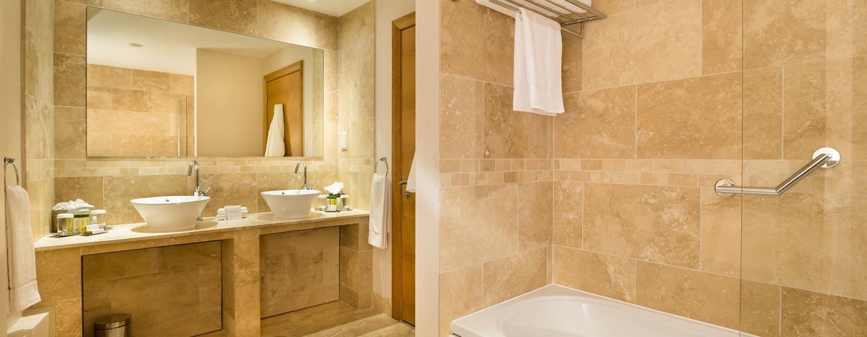 Doubletree By Hilton Milton Keynes Hotels In Milton Keynes Uk