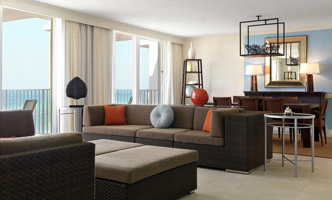 Hilton Rose Hall Resort & Spa, Jamaica - Sala de estar de la suite
