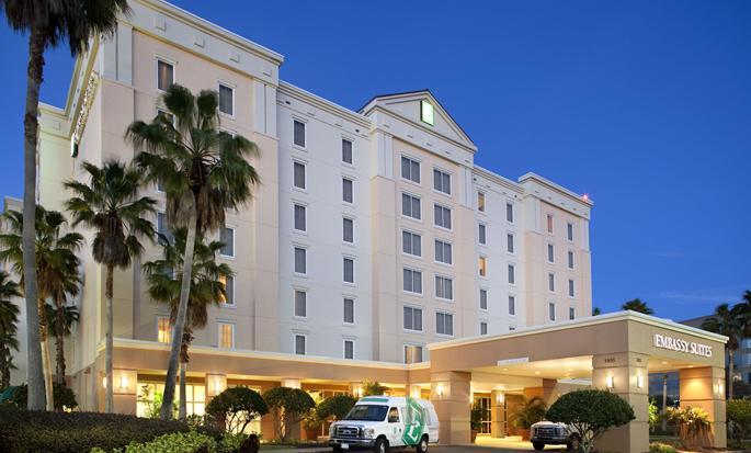 Hotel Embassy Suites Orlando - Airport, EUA - Fachada del hotel