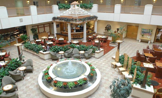 Hotel Embassy Suites Orlando - Airport, EUA - Atrio