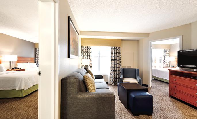 Homewood Suites do Hilton Orlando-International Drive/Centro de Convenções, Orlando, Flórida - Área de estar da suíte