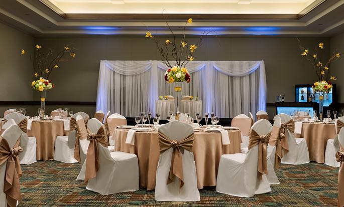 Hotel Embassy Suites Orlando - Lake Buena Vista South, FL - Arreglo de la sala para bodas