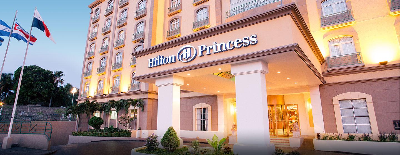 Hilton Princess Managua Hotel, Nicaragua - Entrada del hotel