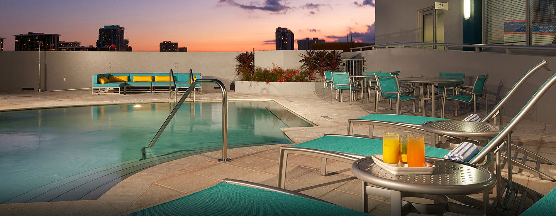 Hotel Hampton Inn & Suites Miami/Brickell-Downtown, FL - Piscina al aire libre