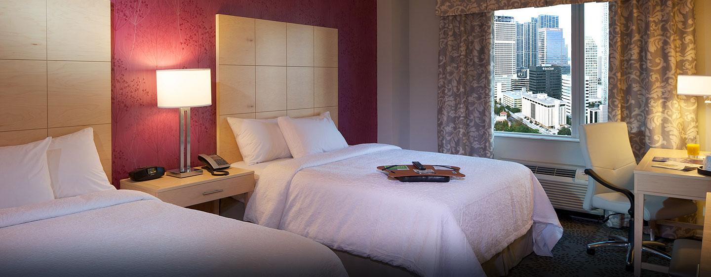 Hotel Hampton Inn & Suites Miami/Brickell-Downtown, FL - Habitación con dos camas Queen