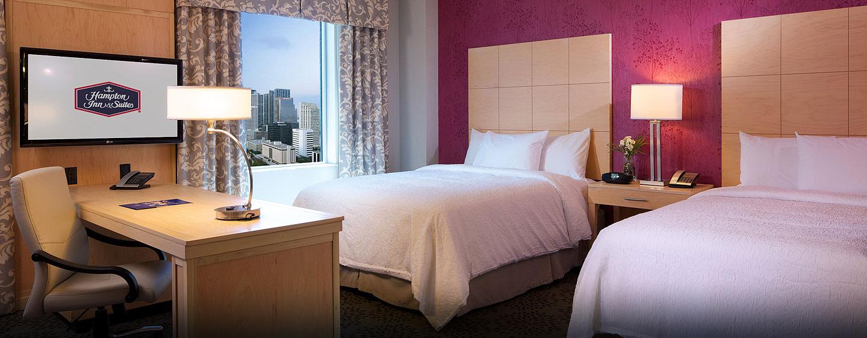 Hotel Hampton Inn & Suites Miami/Brickell-Downtown, FL - Suite tipo estudio con dos camas Queen