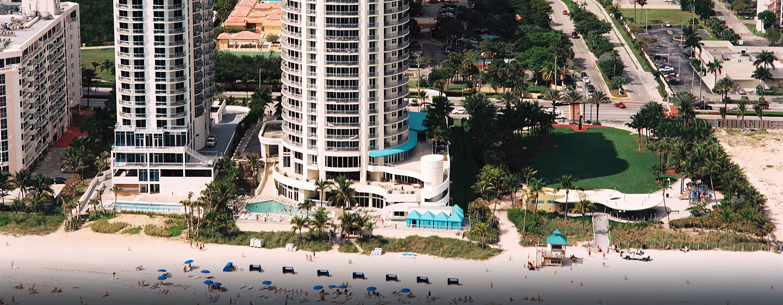 Hotel DoubleTree by Hilton Ocean Point Resort & Spa - North Miami Beach, FL - Vista aérea