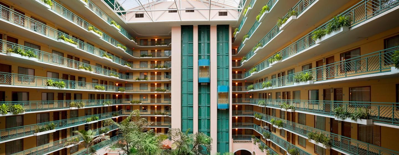 Embassy Suites Miami - Aeroporto Internacional, Flórida - Átrio
