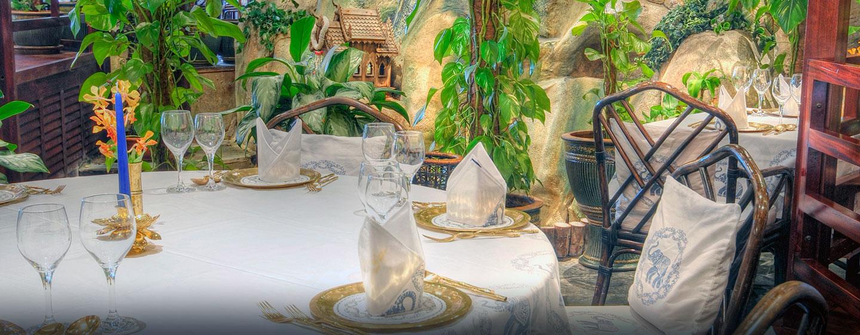 Genießen Sie Thai-Gerichte im schicken Restaurant des Hotels
