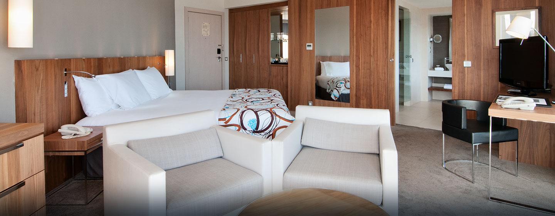 Die schöne Suite im Hotel bietet Ihnen viel Platz und ein separates Wohnzimmer