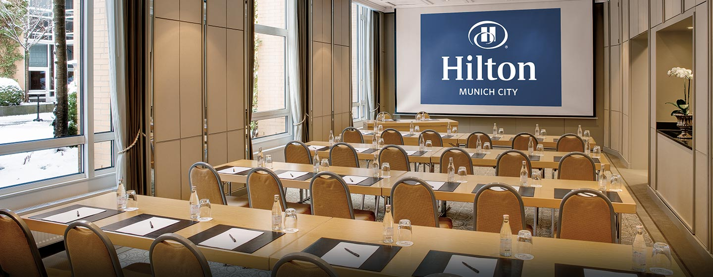 Abhängig von der Anzahl Ihrer Gäste, findet unser Team einen passenden Meetingraum für Sie