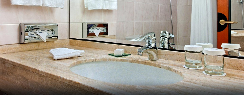 Entspannen Sie in der Badewanne, jedes Badezimmer ist mit einer ausgestattet