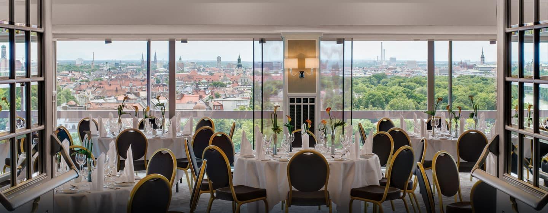 Genießen Sie den Ausblick und dinieren Sie im Salon Marco Polo