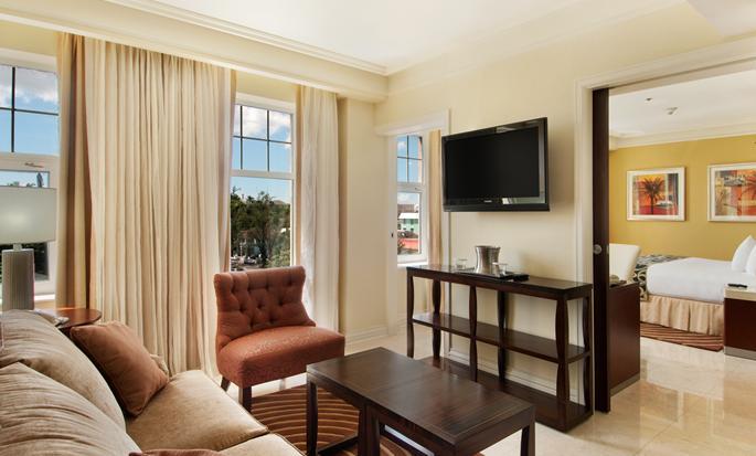 British Colonial Hilton Nassau, Bahamas - Sala de estar de la suite
