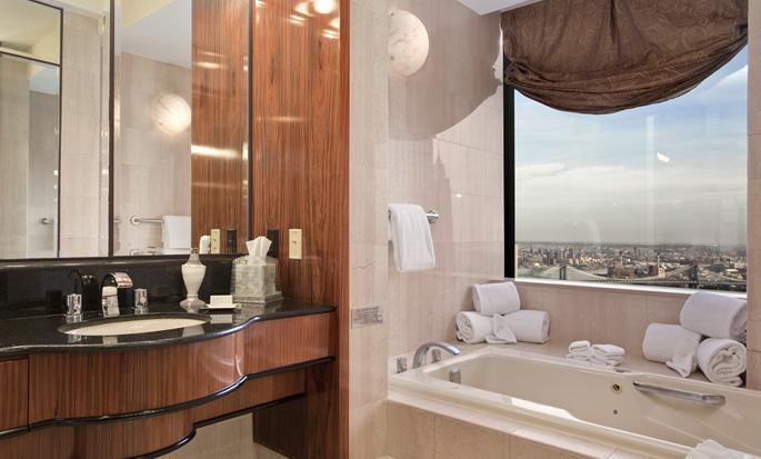 Hotel Millennium Hilton New York Downtown, Nueva York, Nueva York - Baño de la suite Governors