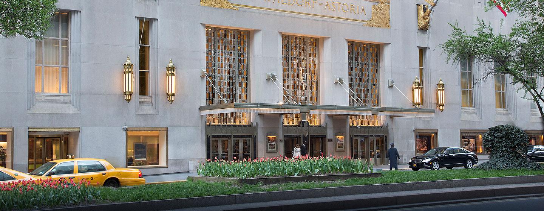 Waldorf Astoria New York, NY – Inngang fra Park Avenue